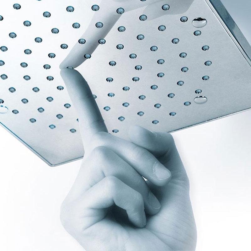 Composizione doccia Bossini con soffione quadrato 21X21, braccio doccia e kit duplex