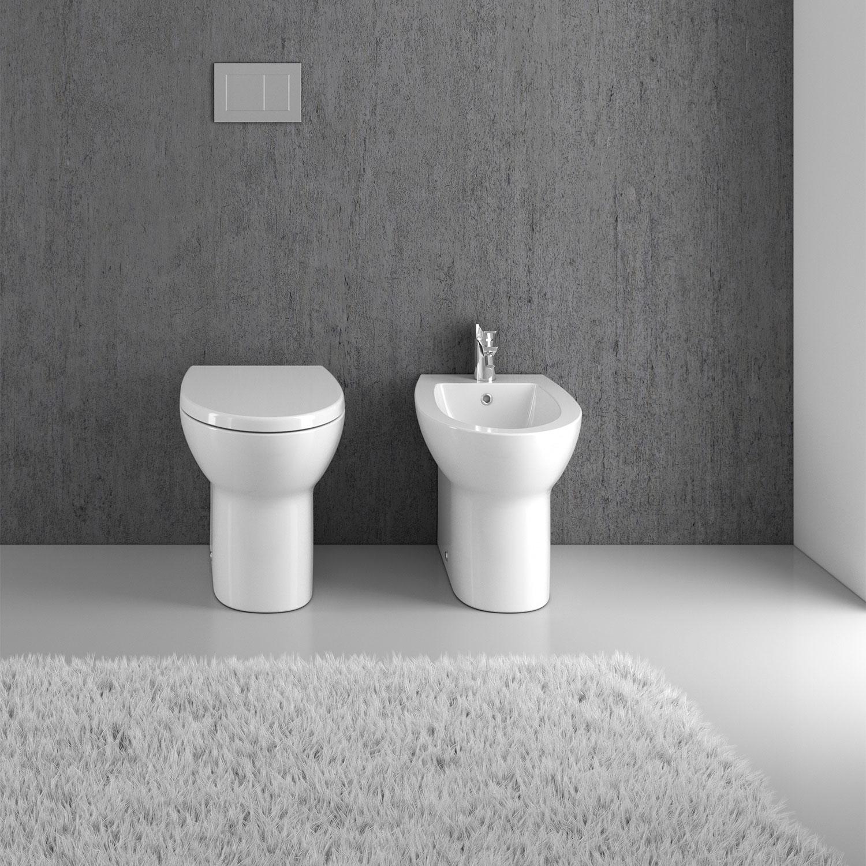 Sanitari filomuro senza brida Innova Eureka wc, bidet, sedile soft close per bagni piccoli