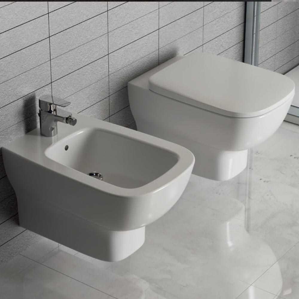 Sanitari sospesi Ideal Standard Esedra Wc + bidet + sedile slim chiusura rallentata