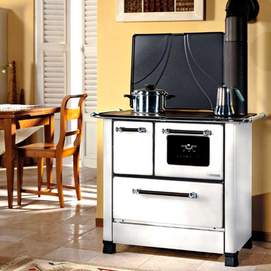 Cucina a legna bianca Nordica Romantica 3,5 potenza termica 5,0 Kw