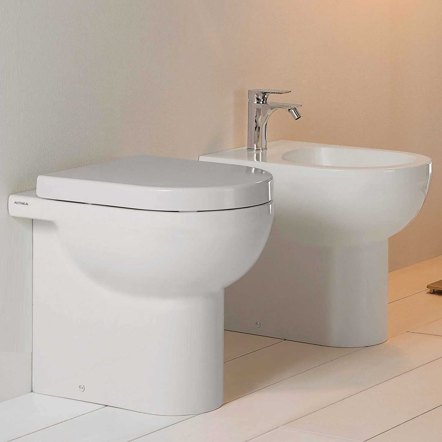 Sanitari bagno filomuro senza brida Althea Soul  wc, bidet e sedile soft close slim