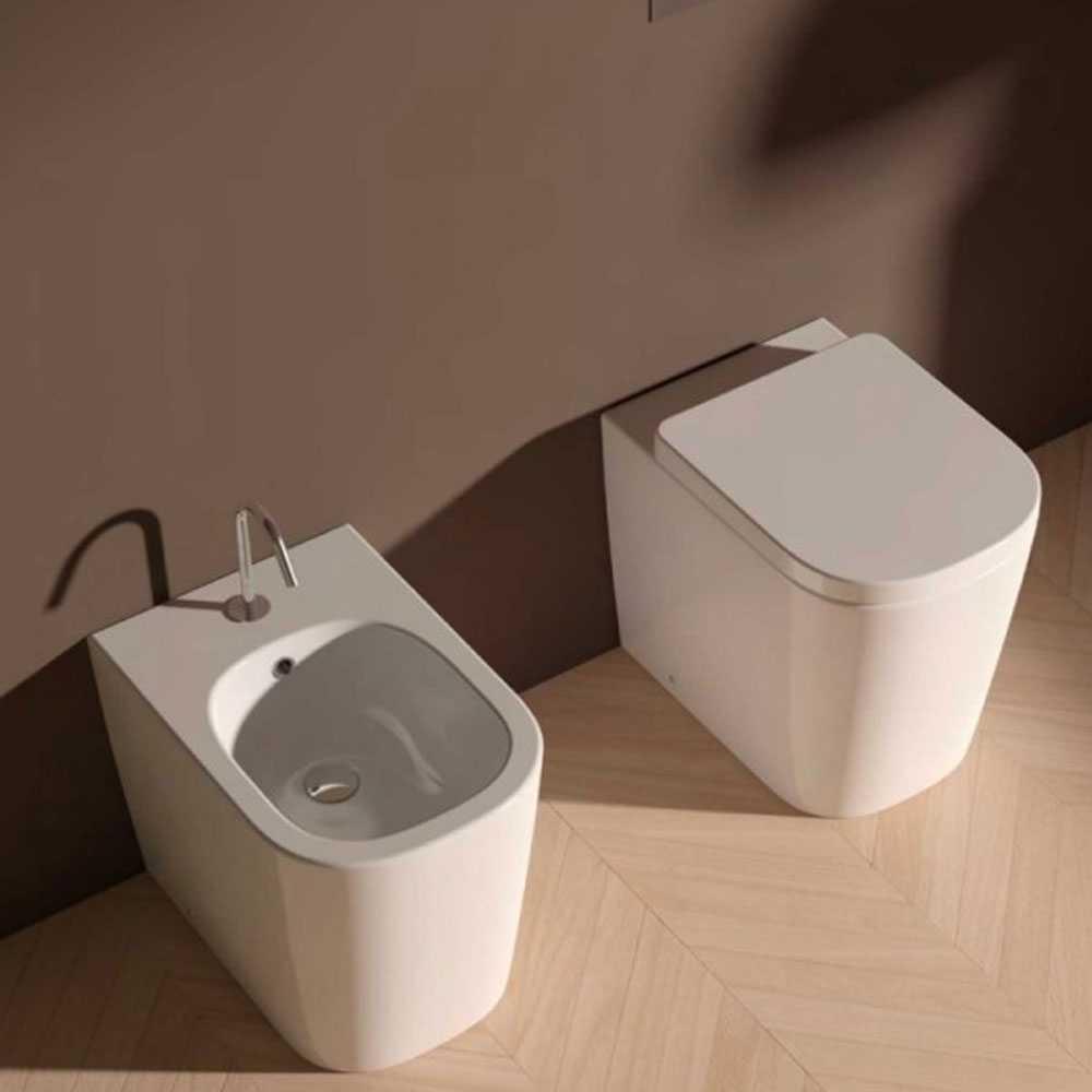 Sanitari Senza Brida Filo parete Ceramica Domus Falerii Foglia Quadra sedile SoftClose